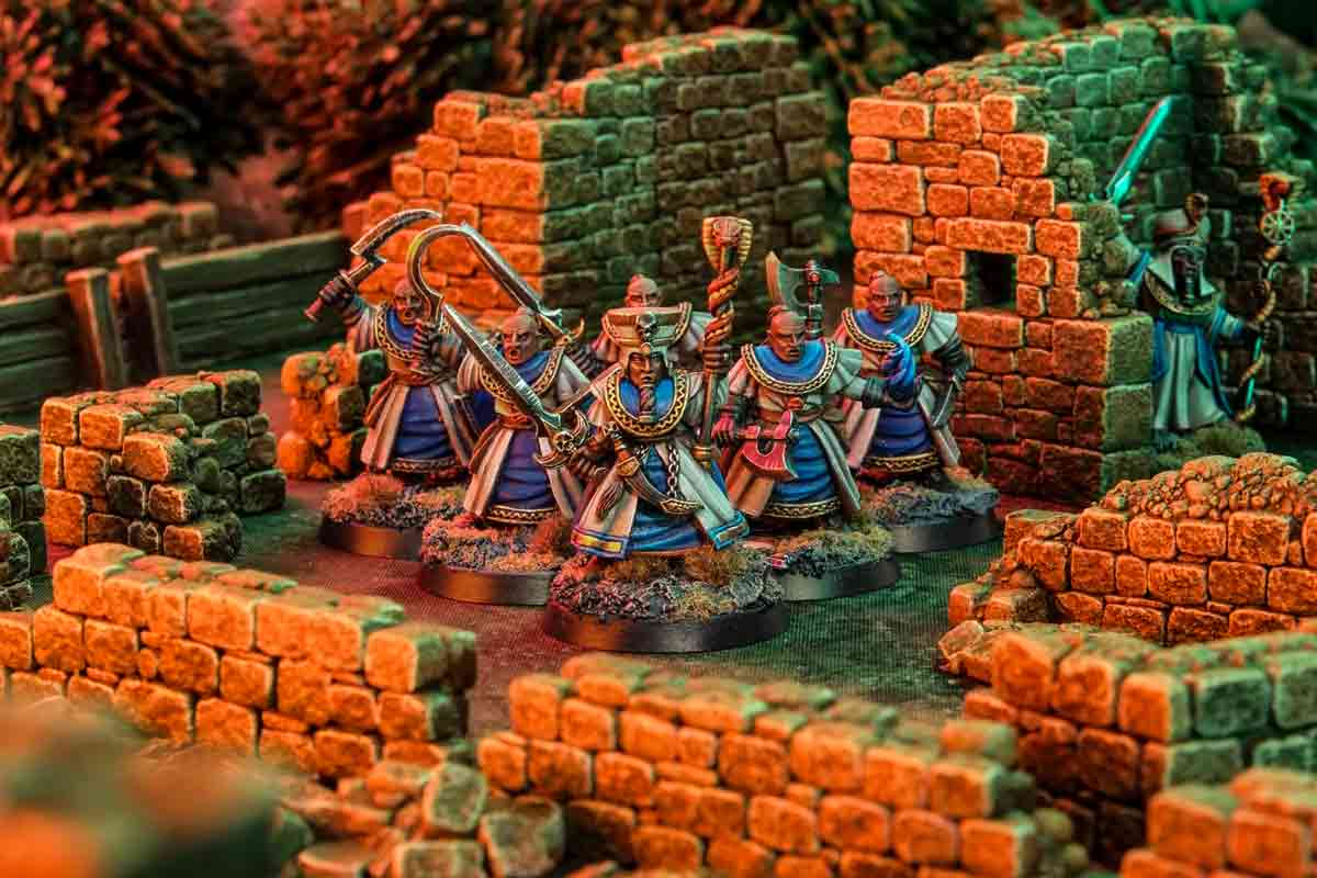 Corrupted Silver Tower Light Wizard Acolytes in Fogou terrain